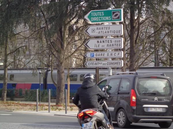 Panneaux signalisation centre ville nantes2